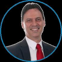 Dr. Sergio Jakob coordenador do curso de especialização em ortodontia